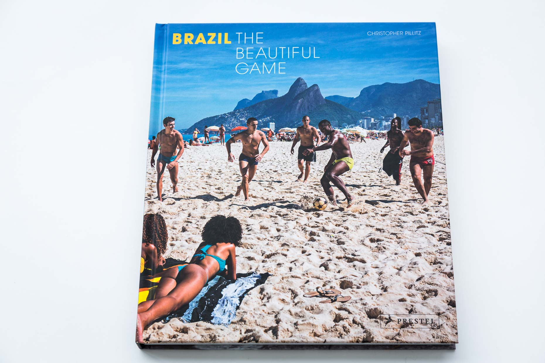 NewWebsite_2018_Books_Brazil_TheBeautifulGame_001